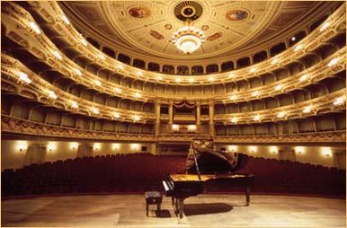 Fortepiany pianina bluthner - Bechstein Grand Piano